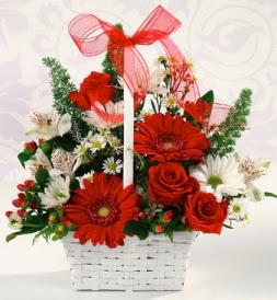 Karışık rengarenk mevsim çiçek sepeti  Çanakkale çiçek mağazası , çiçekçi adresleri