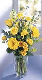 Çanakkale güvenli kaliteli hızlı çiçek  sari güller ve gerbera cam yada mika vazo