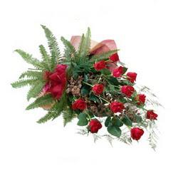 Çanakkale güvenli kaliteli hızlı çiçek  10 adet kirmizi gül özel buket çiçek siparisi
