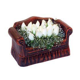 seramik içerisinde 11 gül  Çanakkale 14 şubat sevgililer günü çiçek