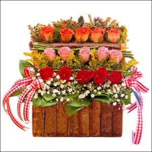 sandikta 3 kat güllerden   Çanakkale online çiçekçi , çiçek siparişi