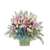 sepette kazablanka ve güller   Çanakkale çiçek siparişi vermek