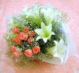 Çanakkale internetten çiçek siparişi  lilyum ve 7 adet gül buket