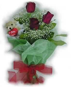 3 adet gül ve küçük ayicik buketi  Çanakkale yurtiçi ve yurtdışı çiçek siparişi