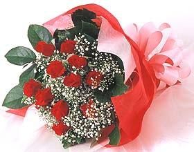 12 adet kirmizi gül buketi  Çanakkale yurtiçi ve yurtdışı çiçek siparişi