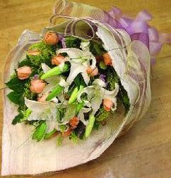 Çanakkale çiçek online çiçek siparişi  11 ADET GÜL VE 1 ADET KAZABLANKA