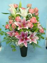 Çanakkale çiçek online çiçek siparişi  cam vazo içerisinde 21 gül 1 kazablanka