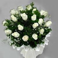 Çanakkale 14 şubat sevgililer günü çiçek  11 adet beyaz gül buketi ve bembeyaz amnbalaj