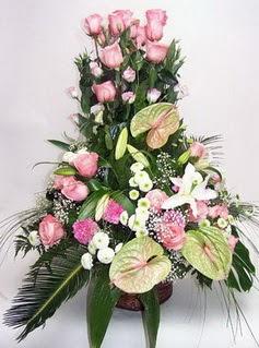 Çanakkale uluslararası çiçek gönderme  özel üstü süper aranjman