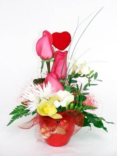 Çanakkale uluslararası çiçek gönderme  cam içerisinde 3 adet gül ve kir çiçekleri