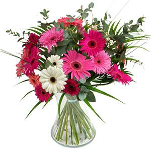15 adet gerbera ve vazo çiçek tanzimi  Çanakkale güvenli kaliteli hızlı çiçek