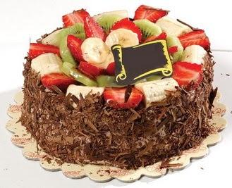 pastaci firmasindan 4 ile 6 kisilik çikolata meyvali yaspasta  Çanakkale hediye sevgilime hediye çiçek