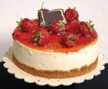 online pastaci 4 ile 6 kisilik yas pasta çilekli  Çanakkale hediye sevgilime hediye çiçek