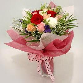 Karisik renklerde 11 adet gül buketi  Çanakkale çiçek siparişi vermek