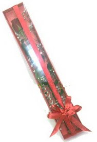 tek kutu içerisinde kirmizi gül  Çanakkale hediye sevgilime hediye çiçek