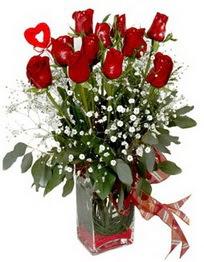 Çanakkale kaliteli taze ve ucuz çiçekler  9 adet mika yada cam vazoda gül tanzimi kalp çubuk