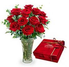 Çanakkale anneler günü çiçek yolla  10 adet cam yada mika vazoda gül çikolata