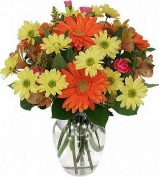 Çanakkale çiçek yolla  vazo içerisinde karışık mevsim çiçekleri
