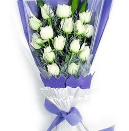 Çanakkale anneler günü çiçek yolla  11 adet beyaz gül buket modeli
