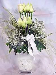 Çanakkale güvenli kaliteli hızlı çiçek  9 adet vazoda beyaz gül - sevdiklerinize çiçek seçimi
