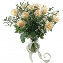 Vazoda 8 adet beyaz gül  Çanakkale İnternetten çiçek siparişi