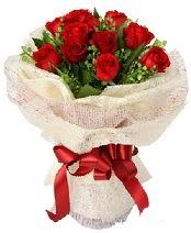 12 adet kırmızı gül buketi  Çanakkale çiçek gönderme sitemiz güvenlidir
