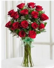 Cam vazo içerisinde 11 kırmızı gül vazosu  Çanakkale çiçek gönderme sitemiz güvenlidir