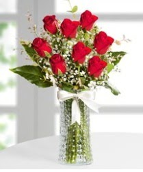 7 Adet vazoda kırmızı gül sevgiliye özel  Çanakkale hediye sevgilime hediye çiçek
